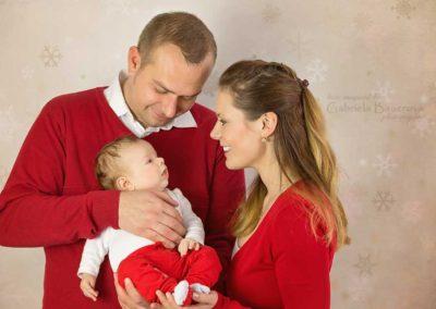 family-christmas-photo
